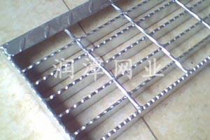 齿型镀锌钢格板
