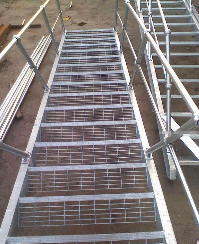 钢架楼梯踏步板