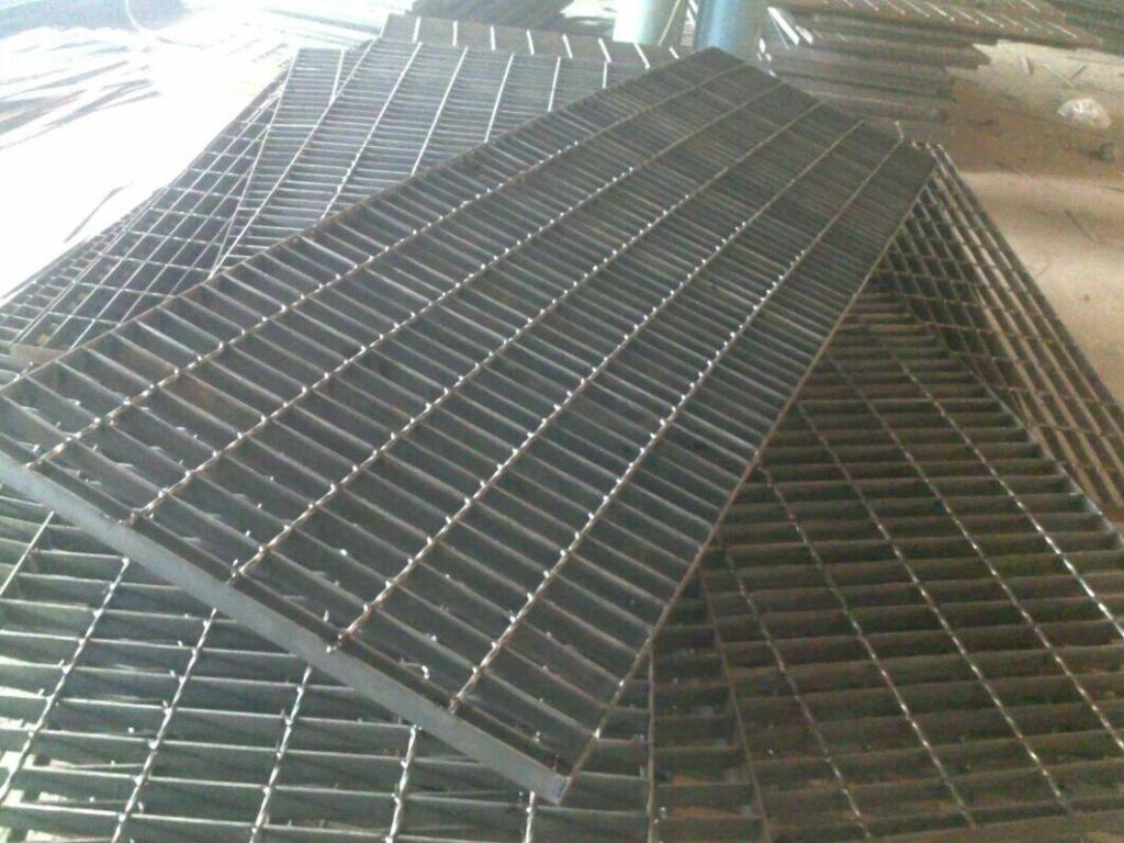 压焊格栅板