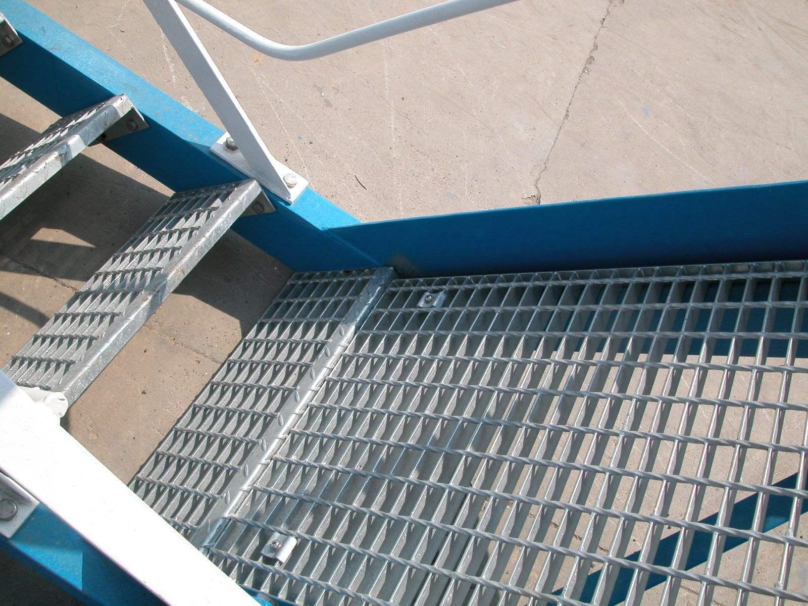 河北供应楼梯平台踏步板厂家