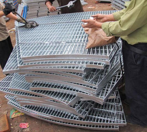 可以拼接成圆形的扇形钢格板