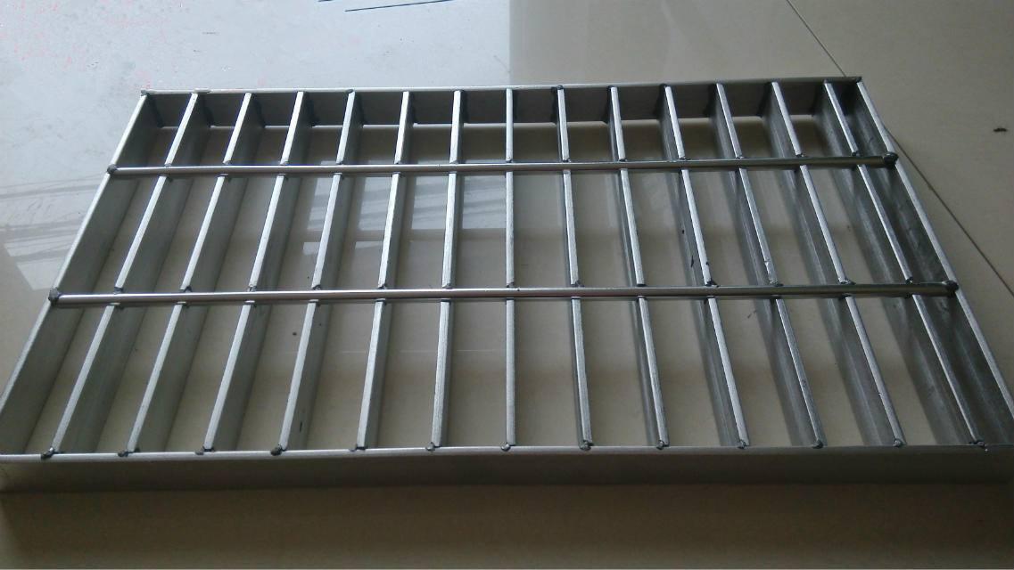 楼梯踏步板产品图片