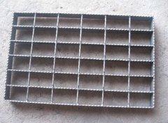 安平润潭镀锌钢格板公司